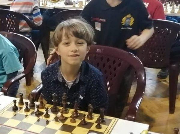 przy szachach